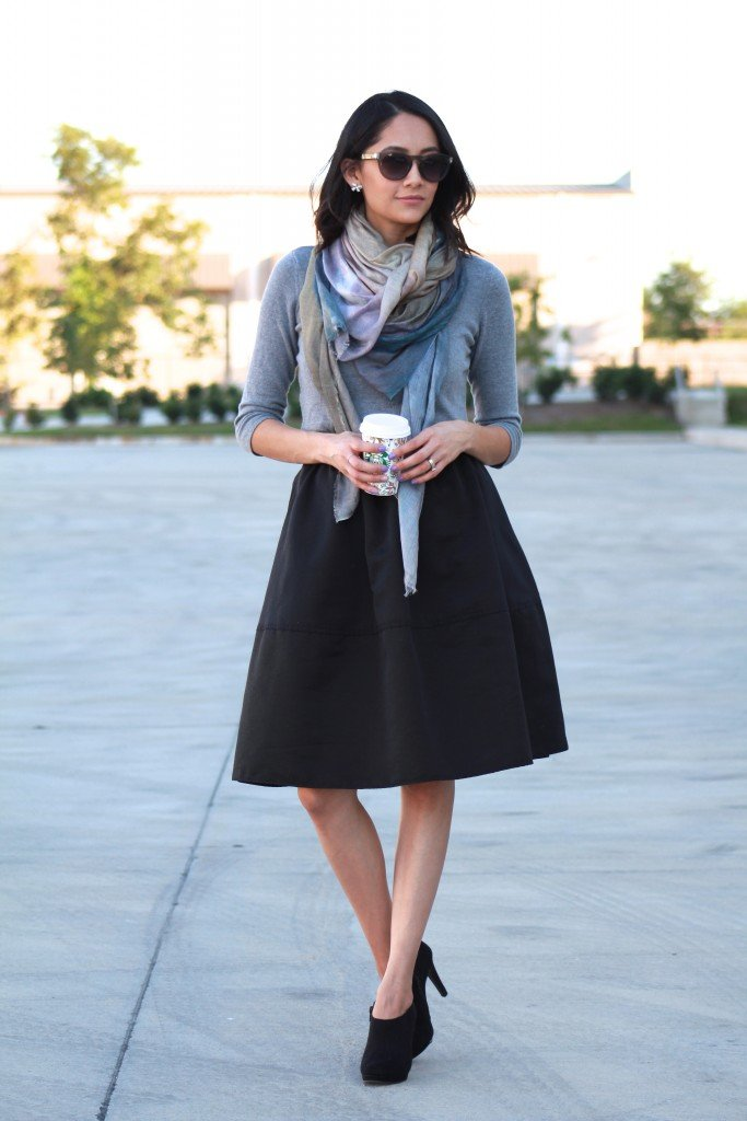 Fall outfit ideas. Midi skirt, booties and blanket scarve
