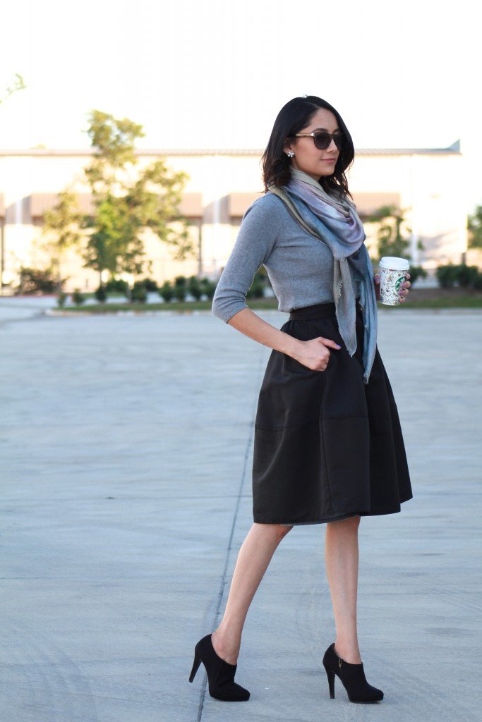 Midi skirt and blanket scarf outfit idea for fall