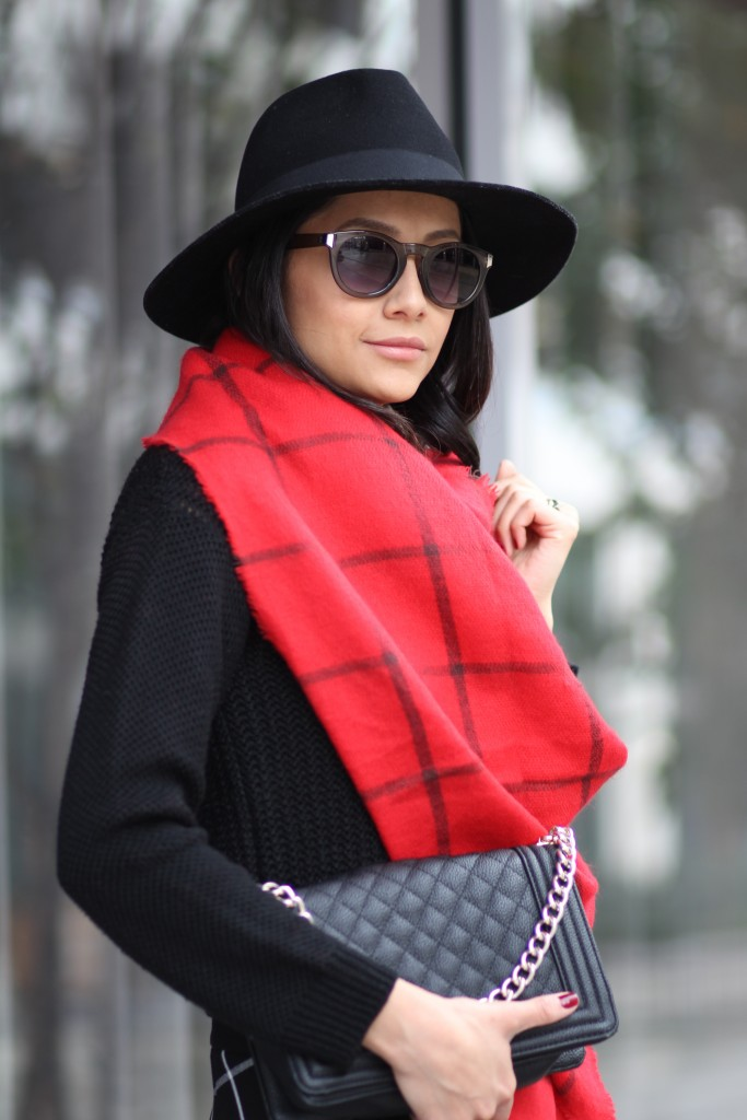 Old Navy red flannel plaid blanket scarf