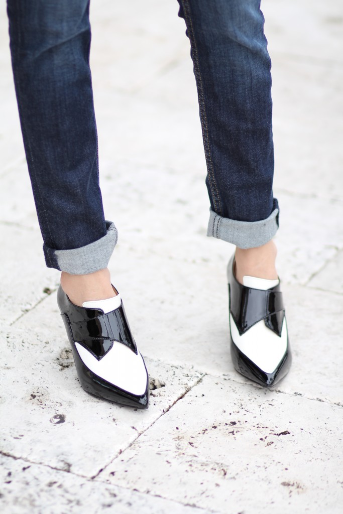 how to wear black and white color blocked booties
