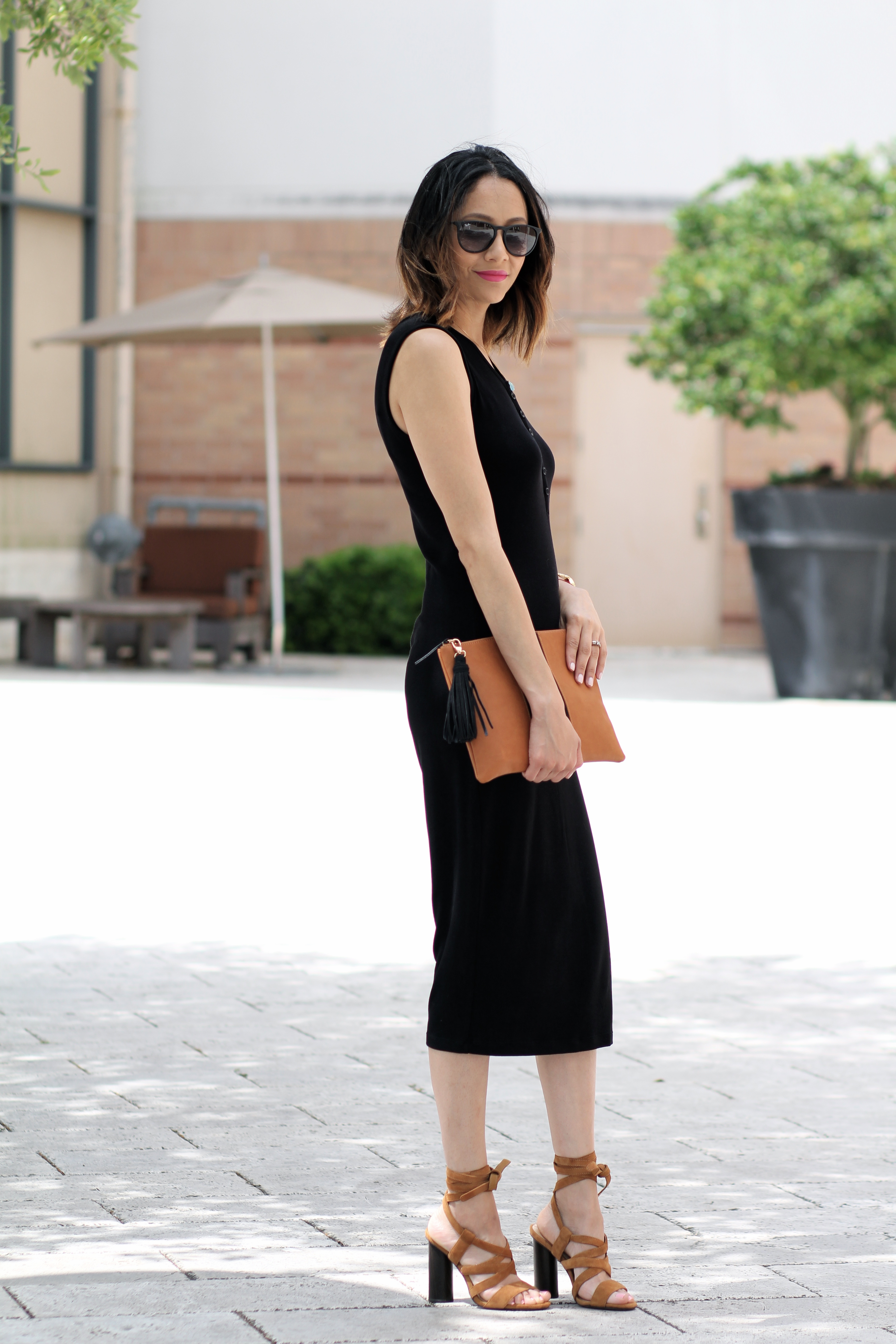 Easy spring outfit | Black henley midi dress & suede lace up sandals