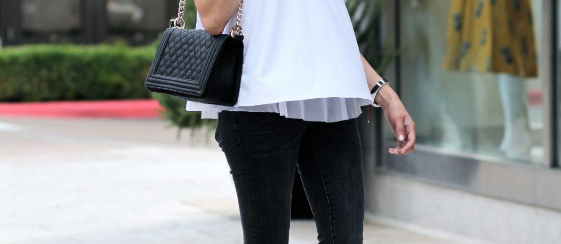 Casual black and white look | Structured quilted bag