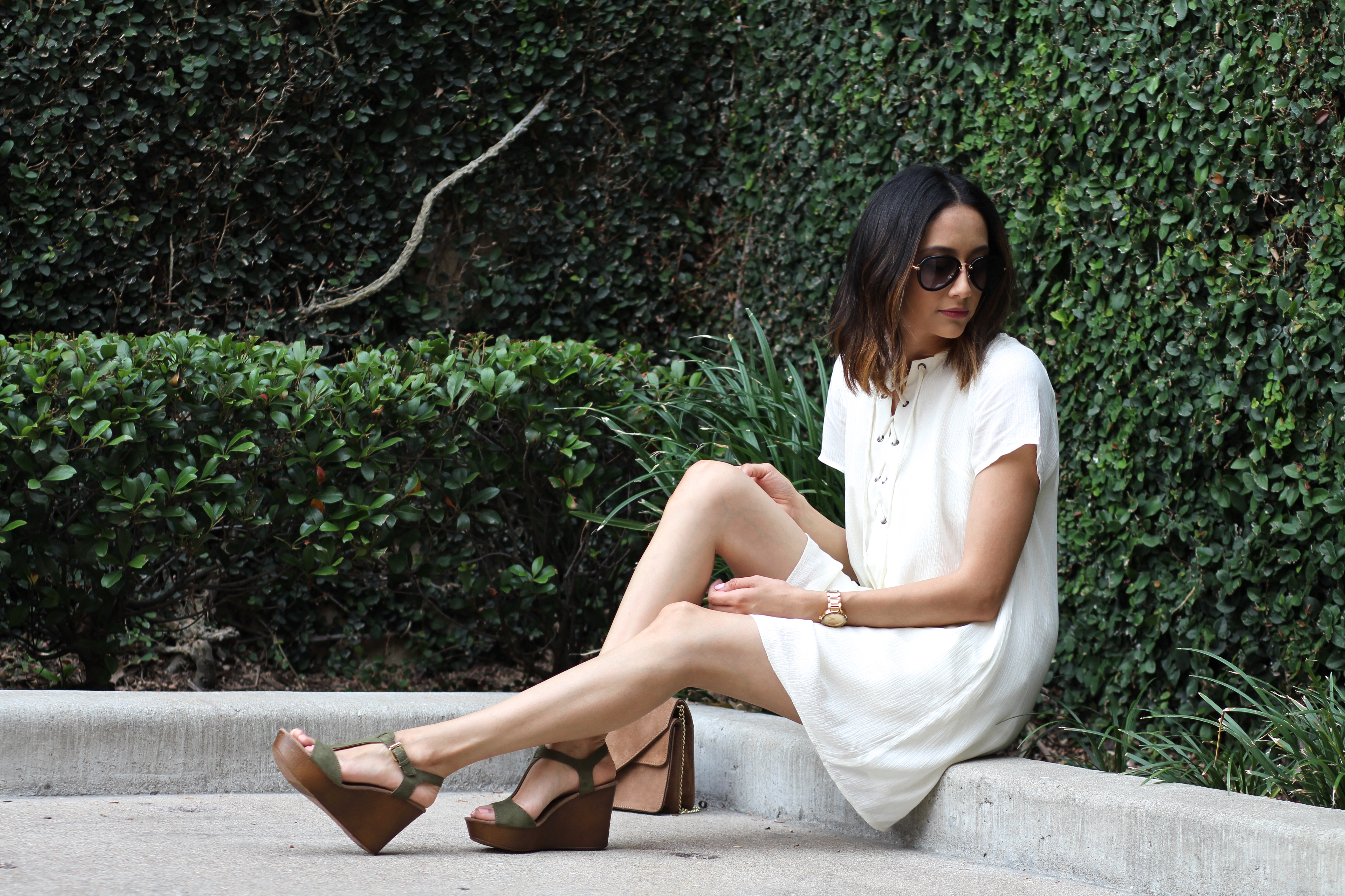 lace up dress, wedges, and aviators