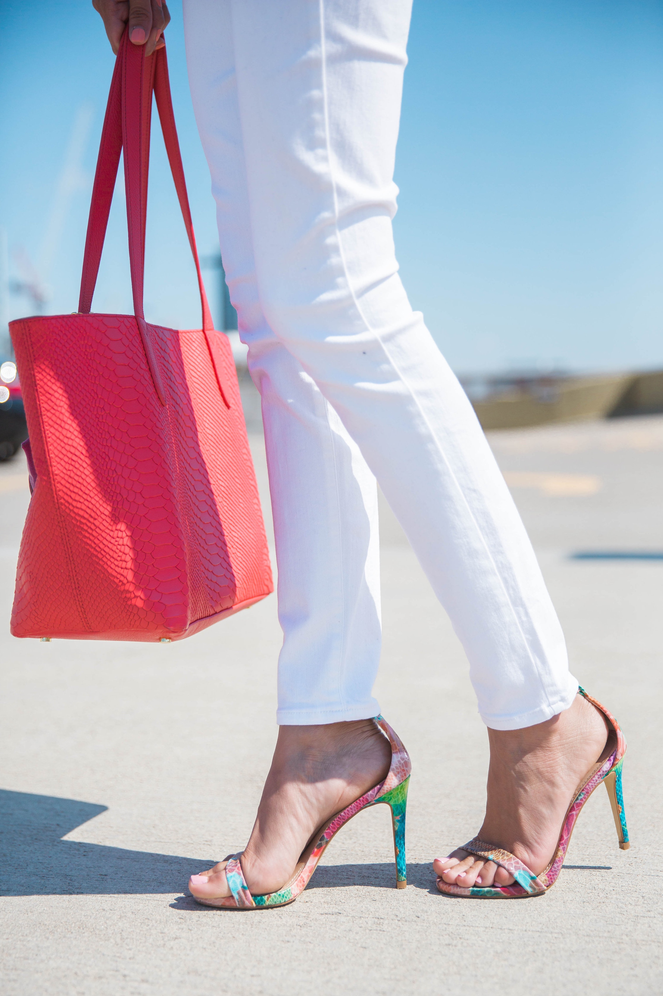 Color Blocked Look | Steve Madden Stecy Sandals | Multicolor Sandals | Gigi New York Tote