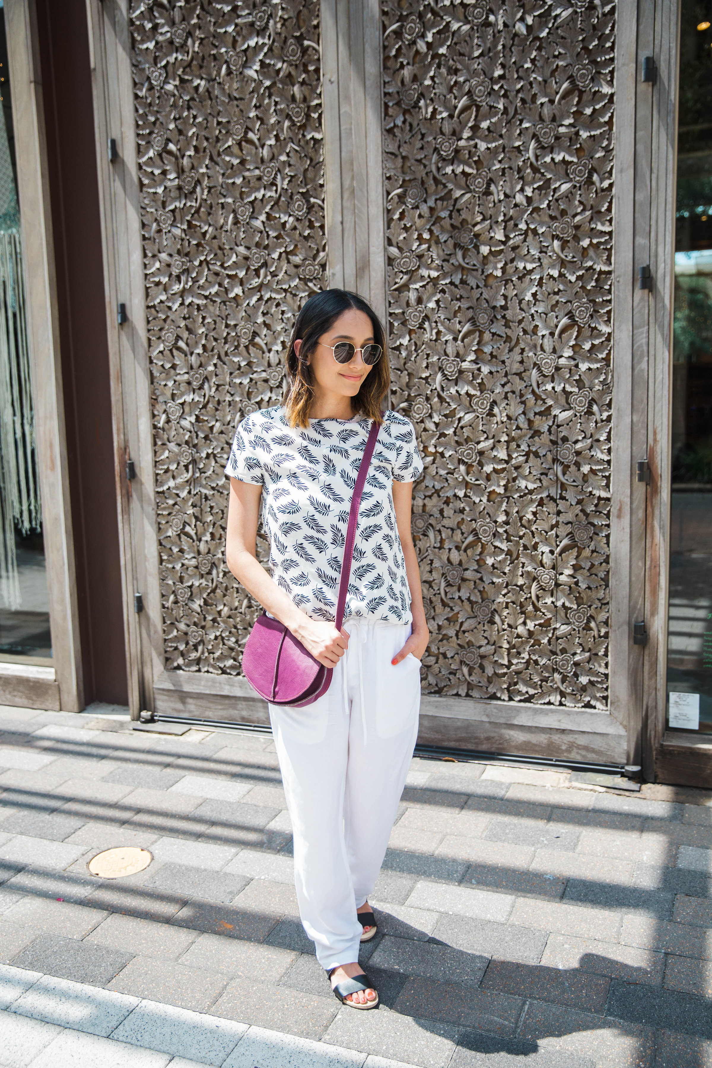 The Perfect Summer Whites | White Pants | Feather Print Top | round Sunglasses | Casual Summer Look