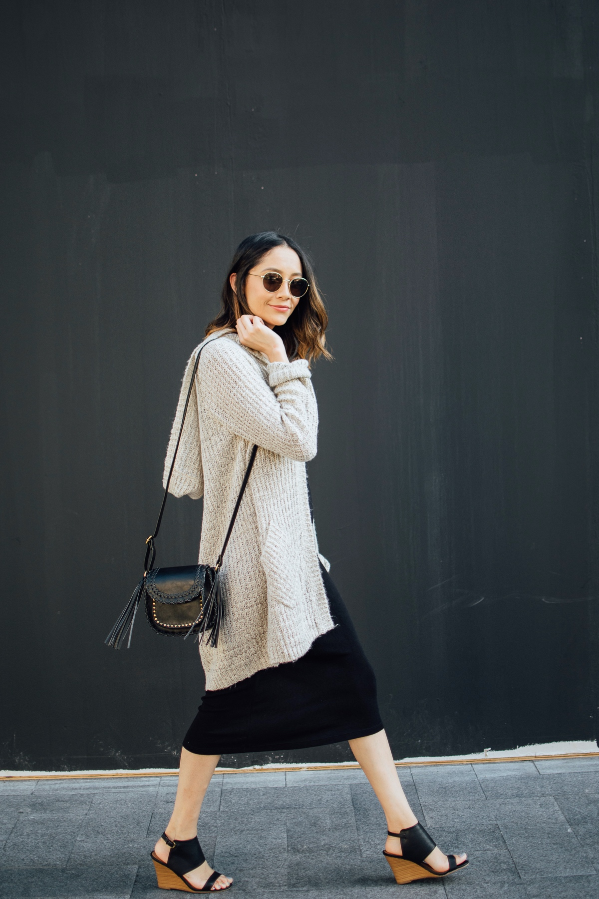 Style Blogger Lilly Beltran of Daily Craving in a casual fall outfit