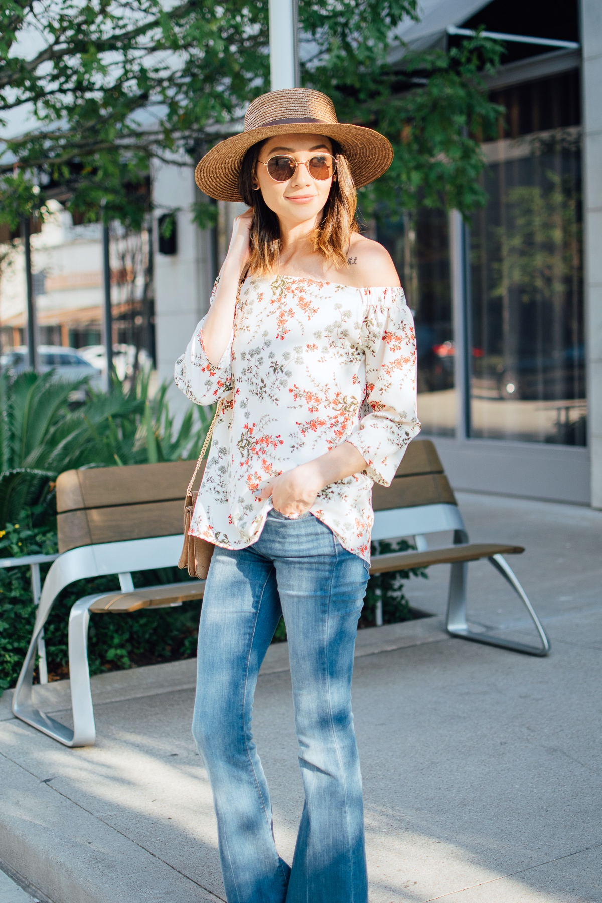 Floral off-the-shoulder-top and flare jeans