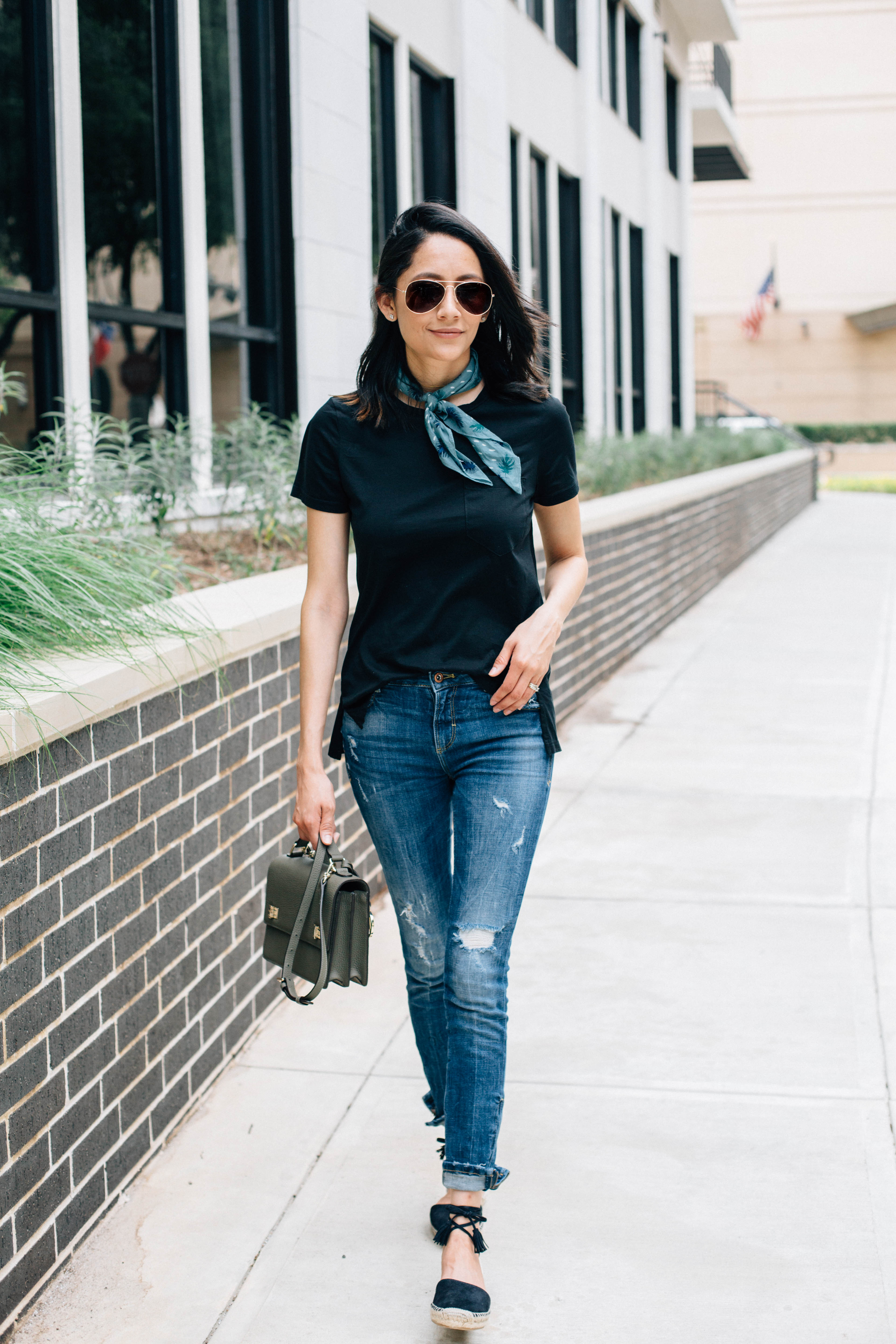 Daily Craving weekend style. Black tee, skinny jeans, lace up espadrilles and neck bandana