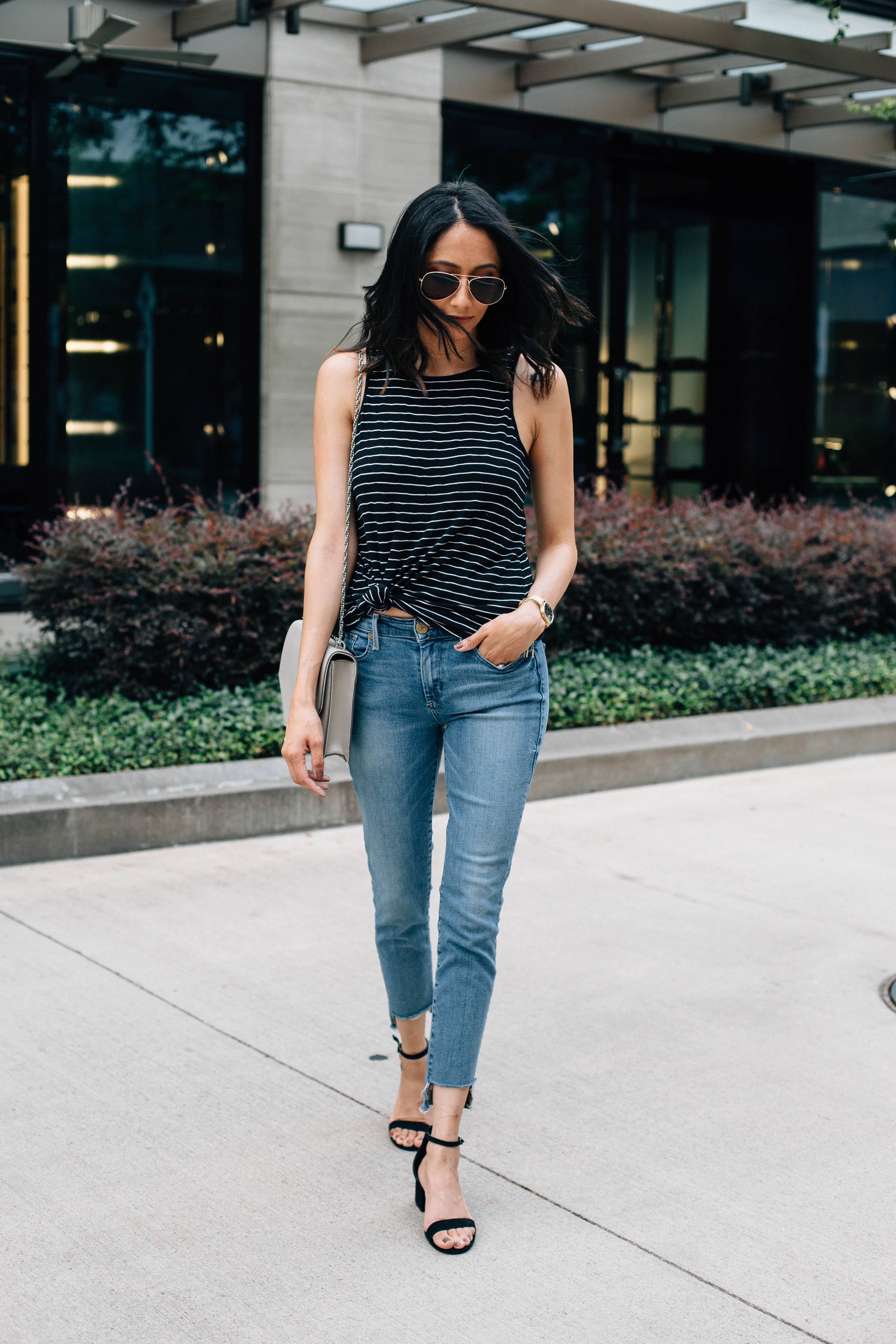 The easiest best fashion DIY for raw hem jeans. Effortless style. Weekend outfit
