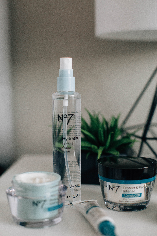 Summer Skincare tips. No.7 Skincare Hydrating Mist