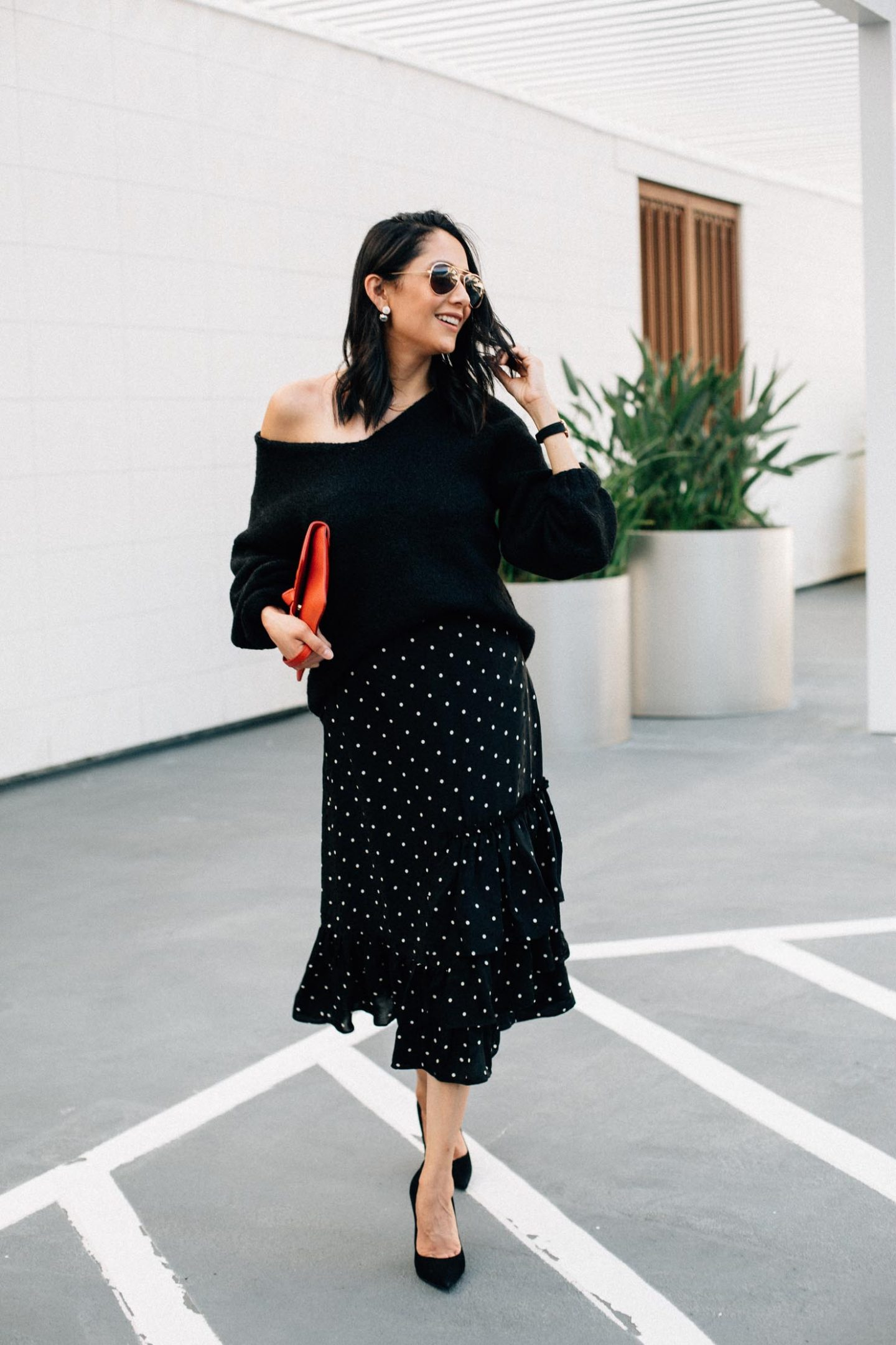 Thanksgiving Outfit Idea: Midi Skirt & Oversized Sweater