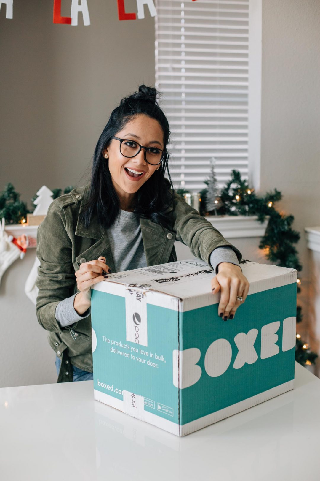Lifestyle blogger Lilly Beltran of Daily Craving reviews Boxed service