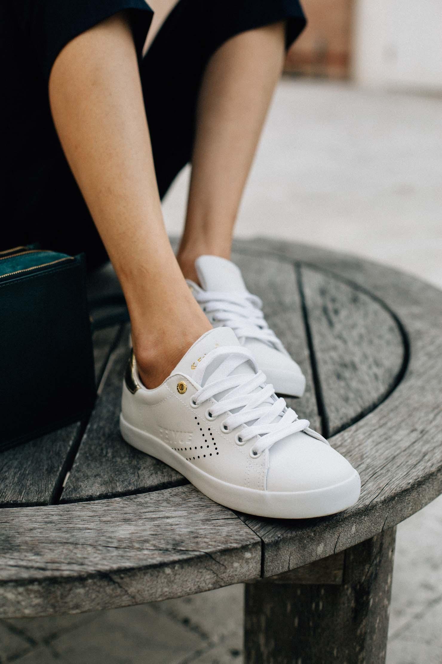 Houston based FashionBlogger | Lilly Beltran | White sneakers