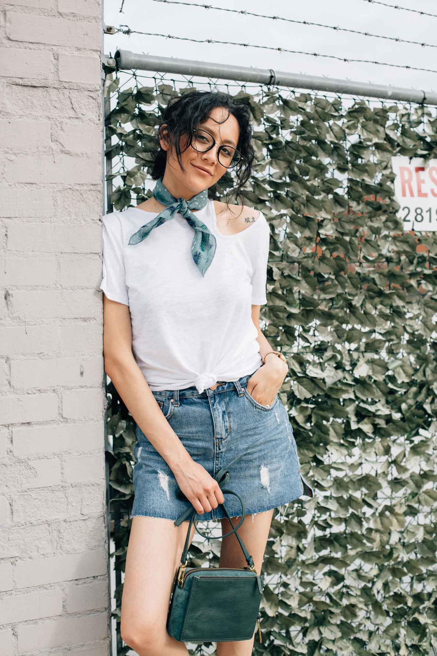Perfect Effortless Style | Denim skirt, white tee & white sneakers