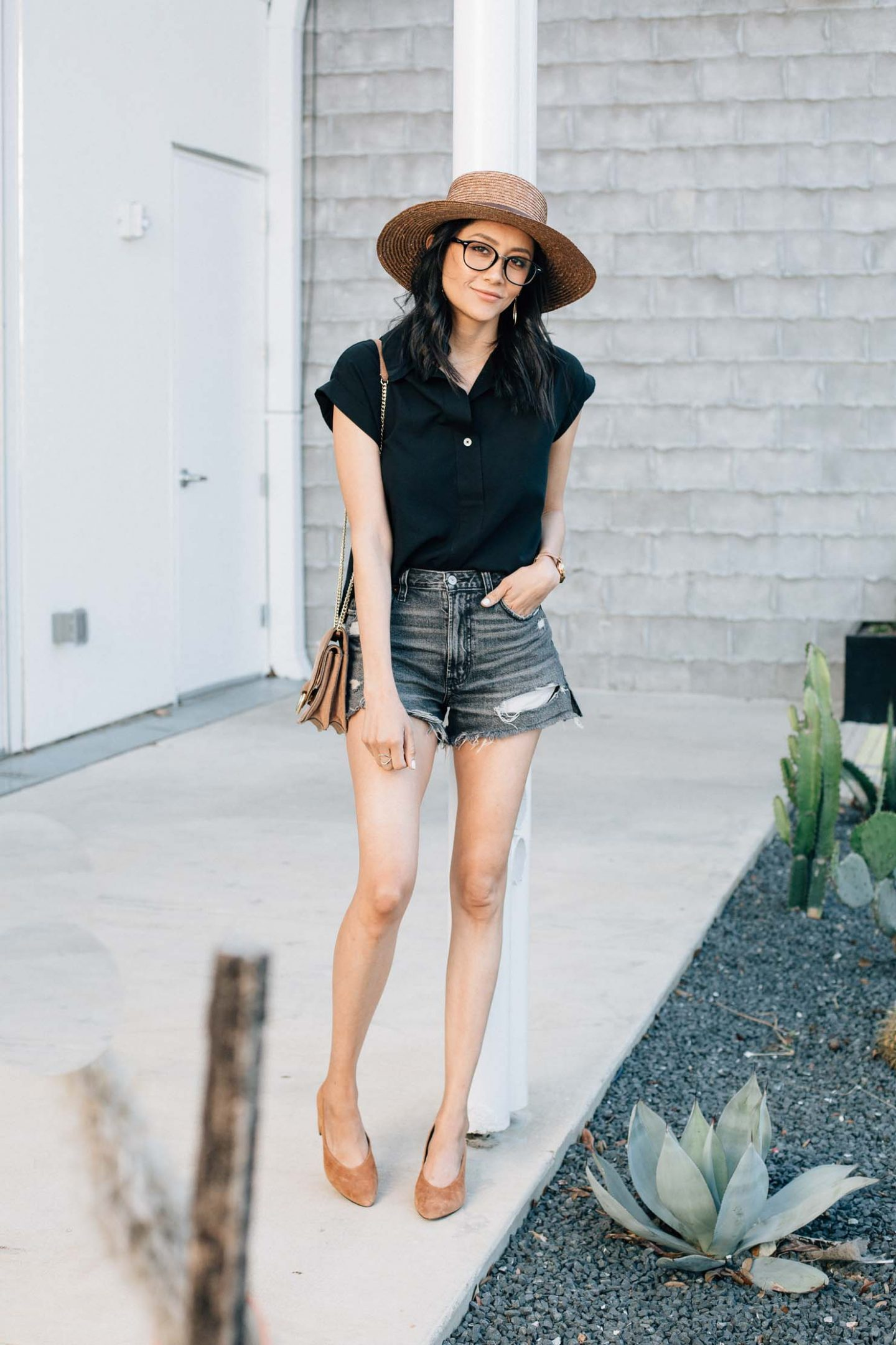 Why I Only Wear High Waisted Denim Shorts