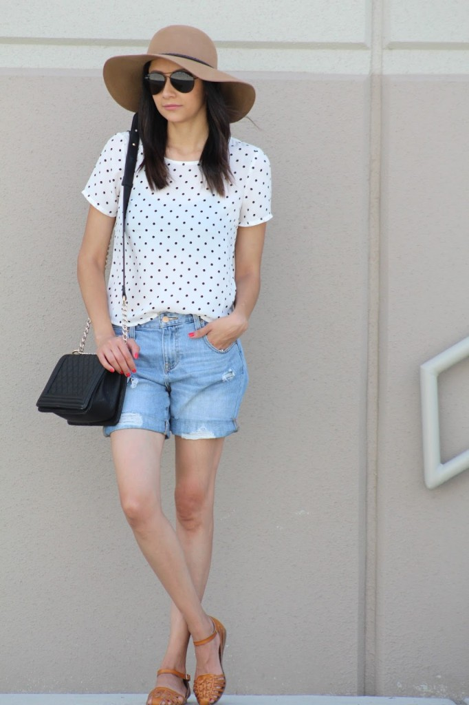 Dotted top and Boyfriend Jeans