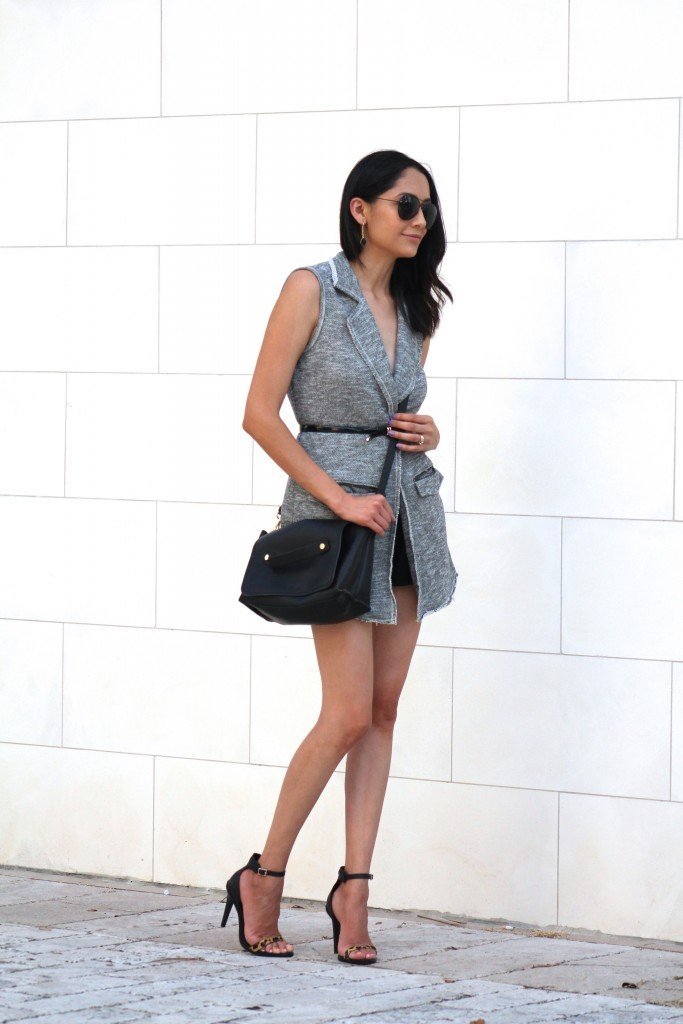 Knit vest shorts and sandals