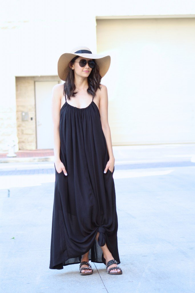 maxi dress and floppy hat