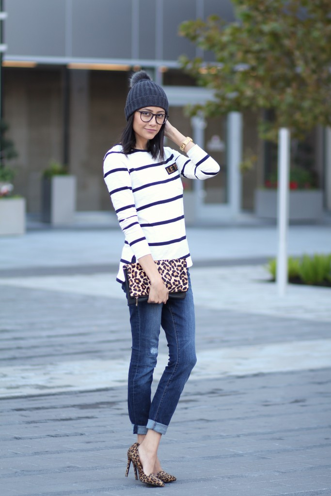 Casual outfit, skinny jeans, striped tee, leopard pumps and pom pom beanie