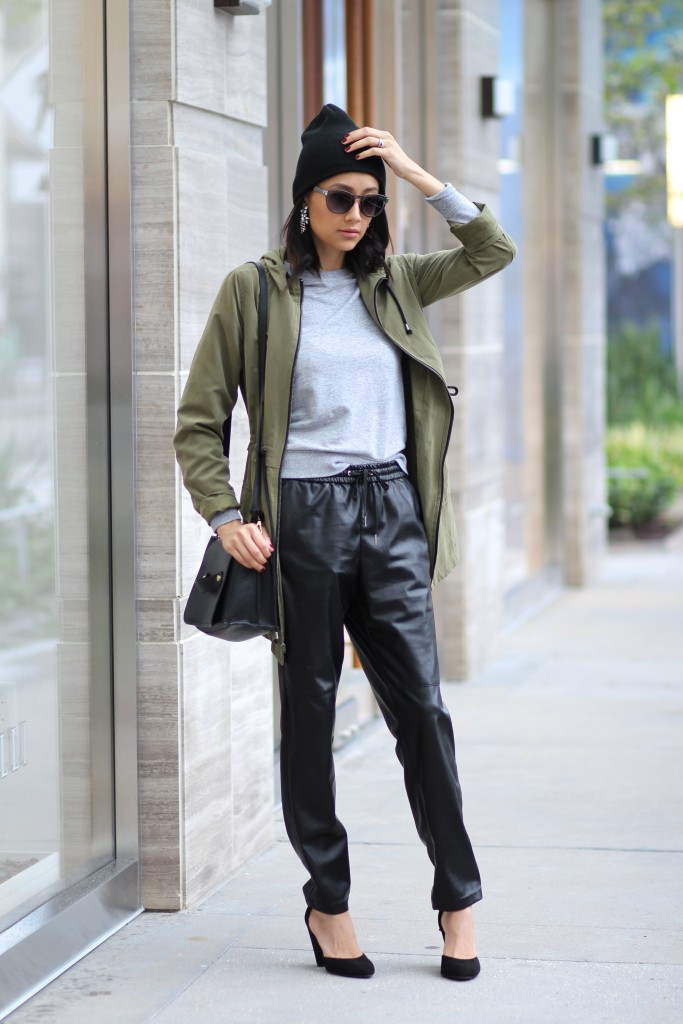 casual fall outfit-leather joggers, parka jacket and beanie