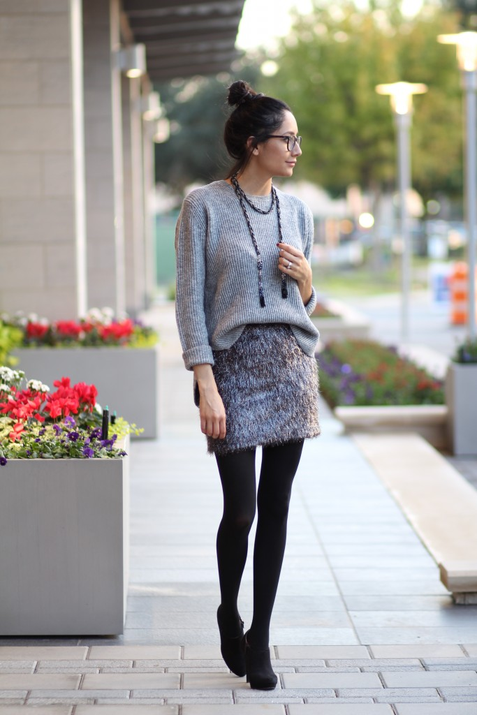 holiday outfit- Shiny skirt, oversized sweater & booties