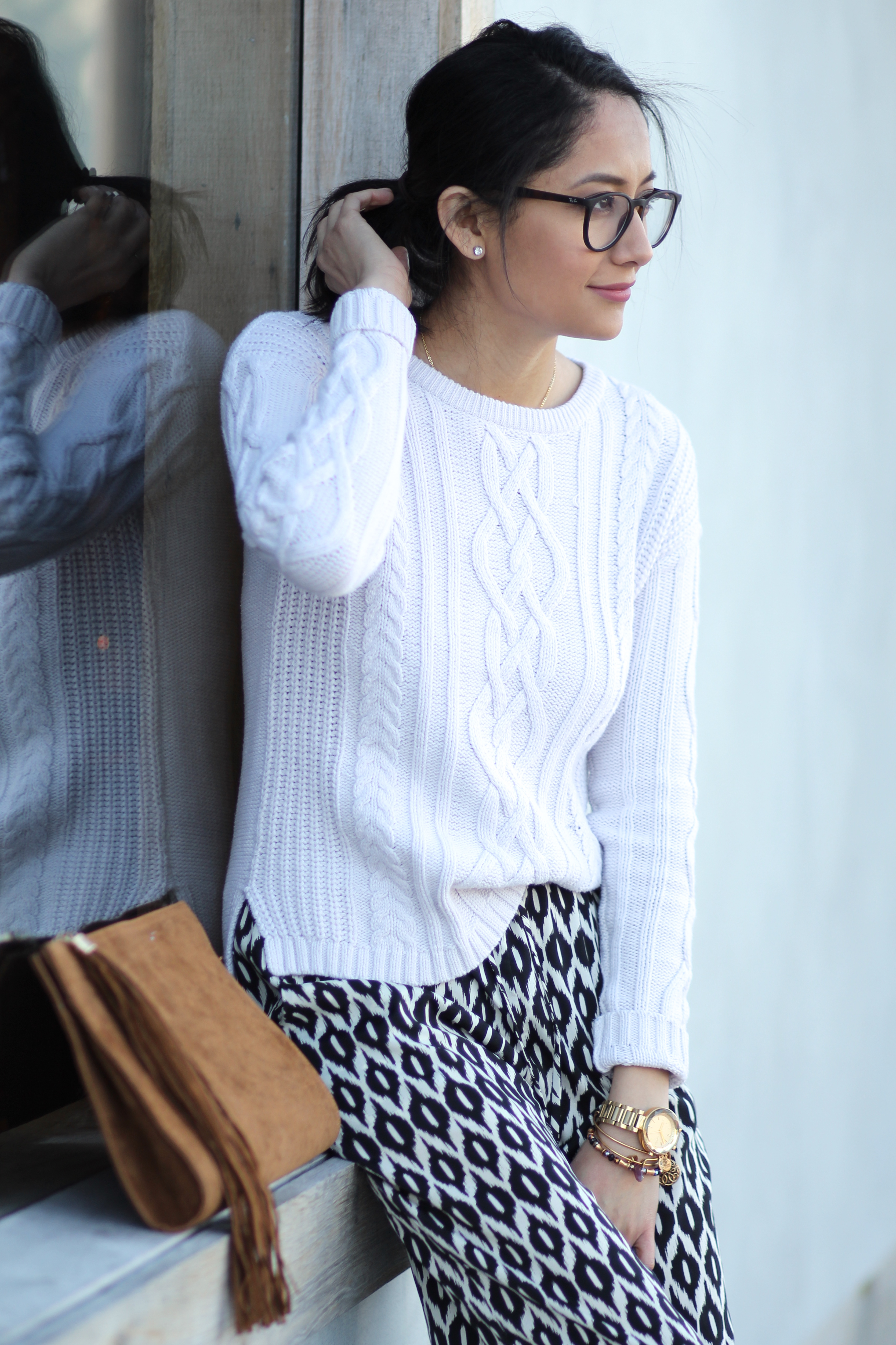 casual outfit wearing printed pants