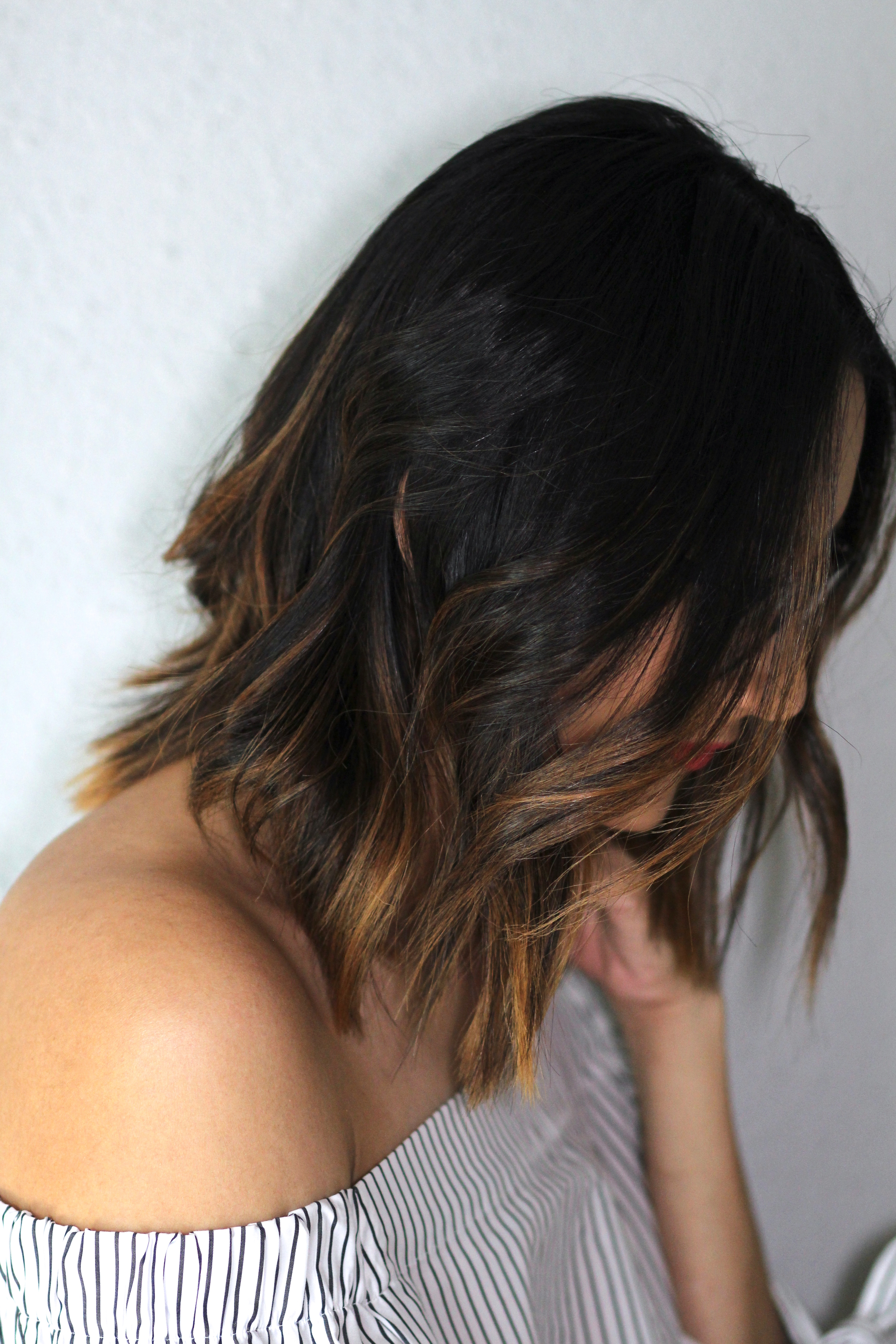 5 minute messy waves and balayage hair