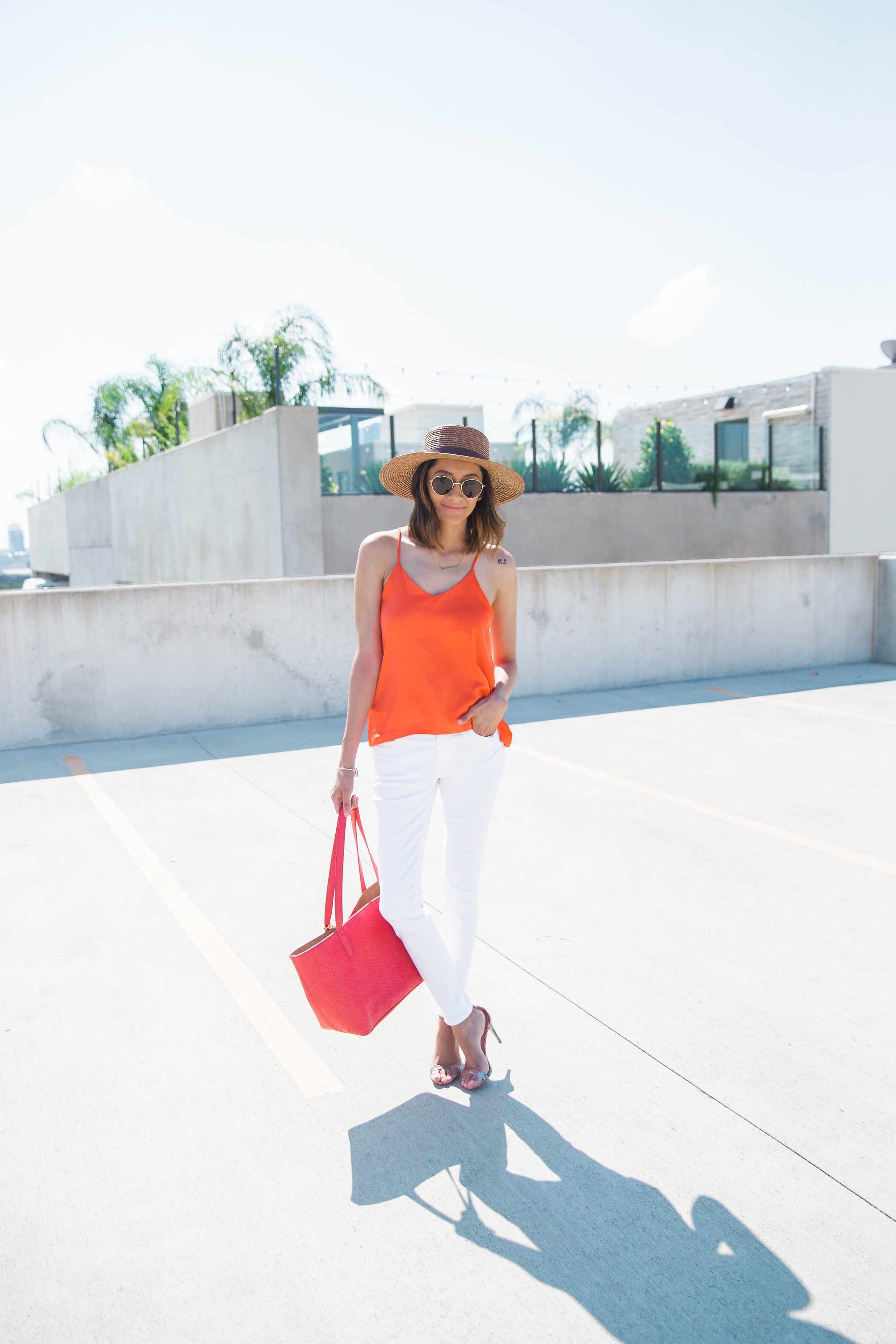 Color Blocked Look | White Skinny Jeans | Orange Cami |Boater Hat | Red Tote