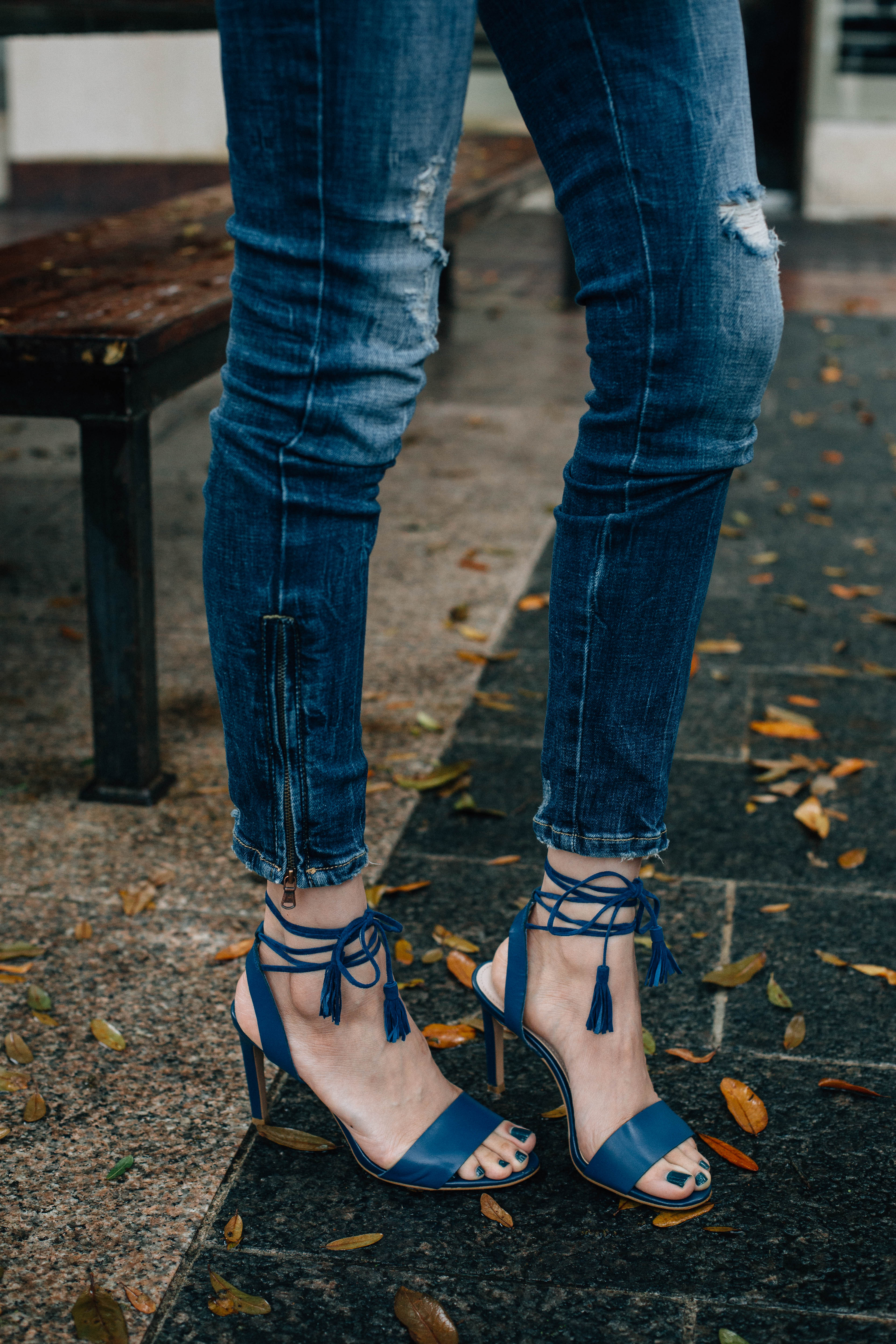 Daily Craving, Fashion Blogger, Ankle Zipper Jeans, Floral Print Tops, Skinny Jeans, Lace Up Sandals