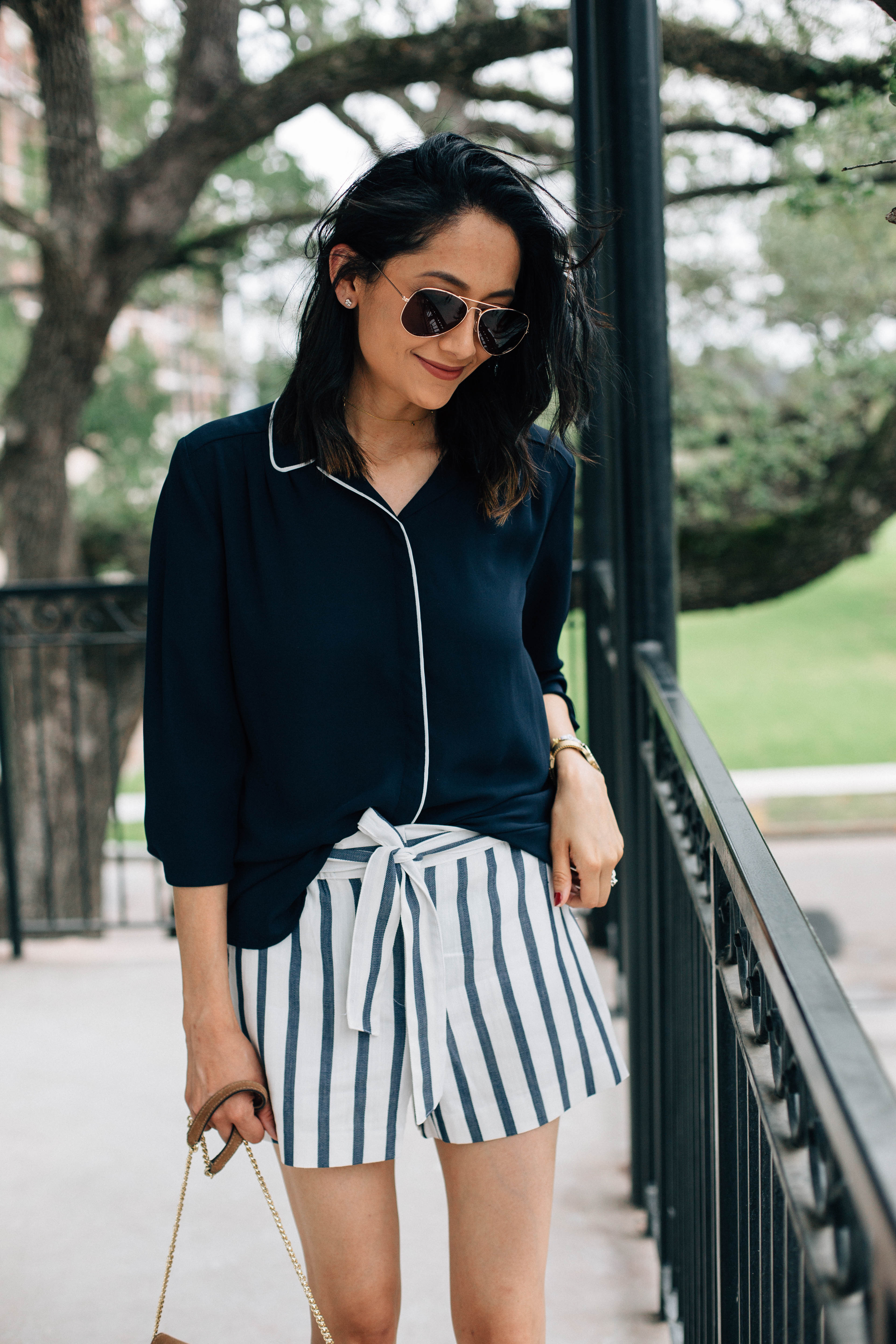Striped shorts under $50   Loft Striped shorts   Summer outfit