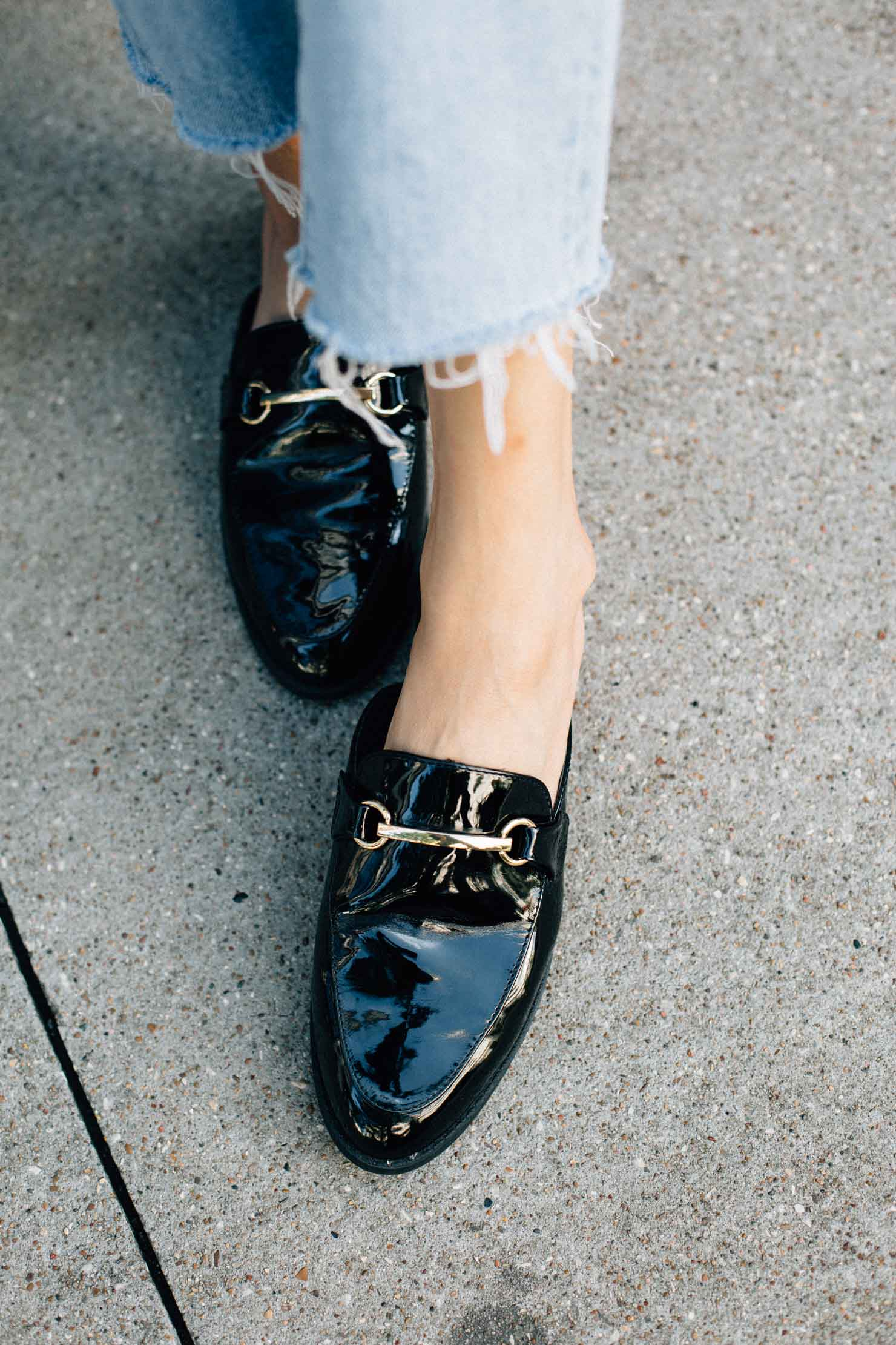 Trendy shoe, patent leather loafer mule