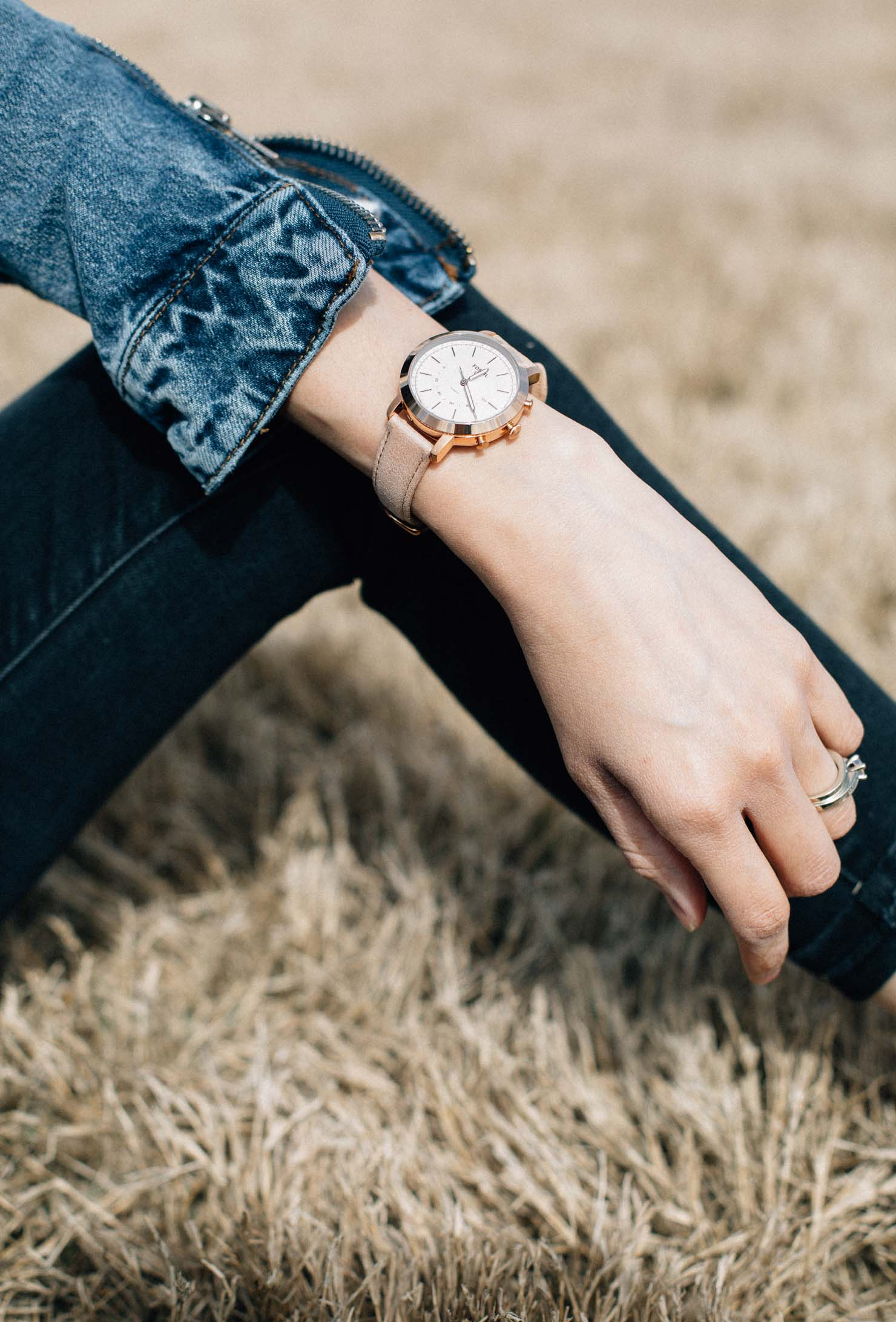 Houston Based Fashion Blog | Daily Craving | Lilly Beltran | Fossil Q Hybrid Smartwatch