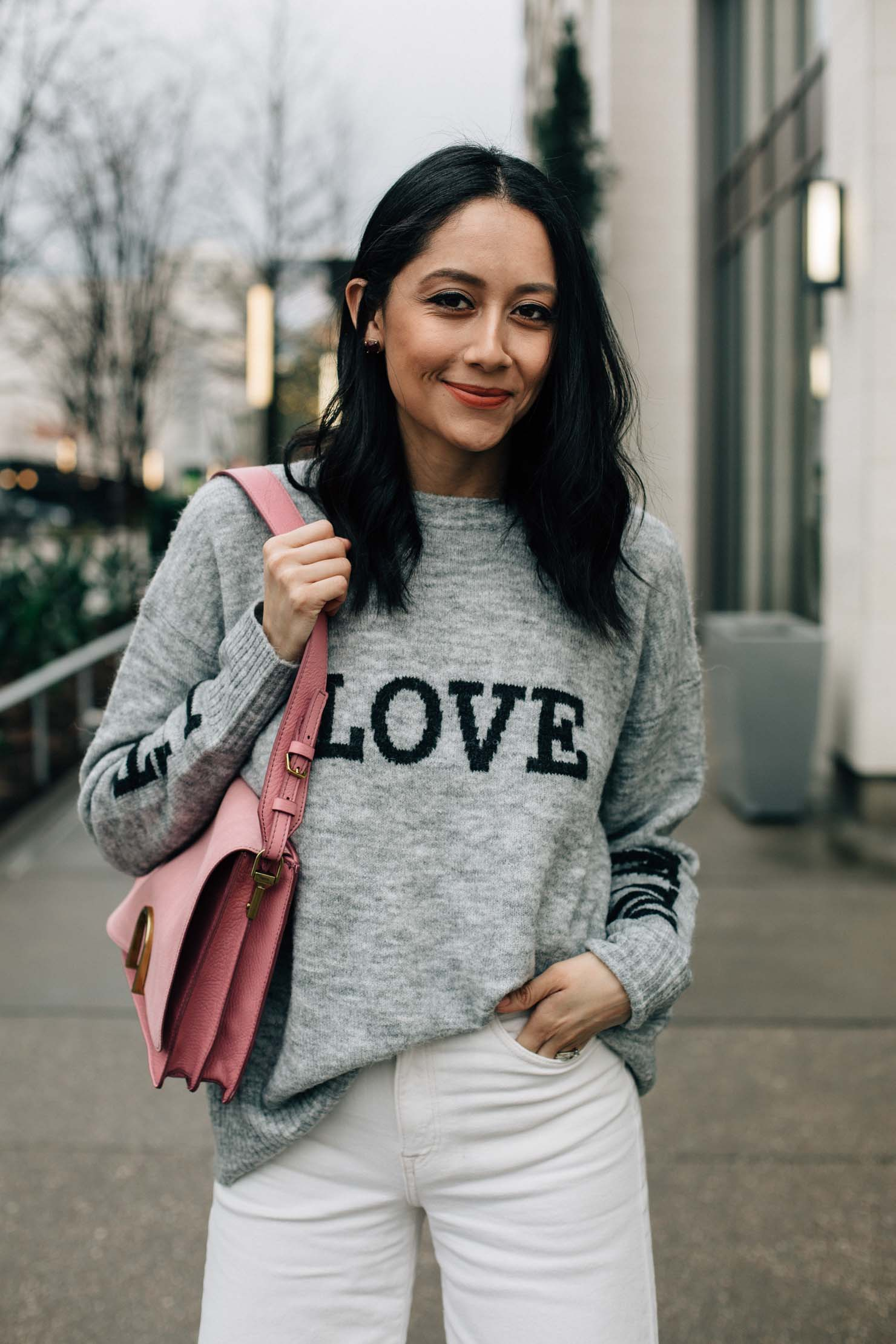 H&M Love printed sweater | Pink Fossil Bag |Effortless Outfit | Casual Valentines Day outfit