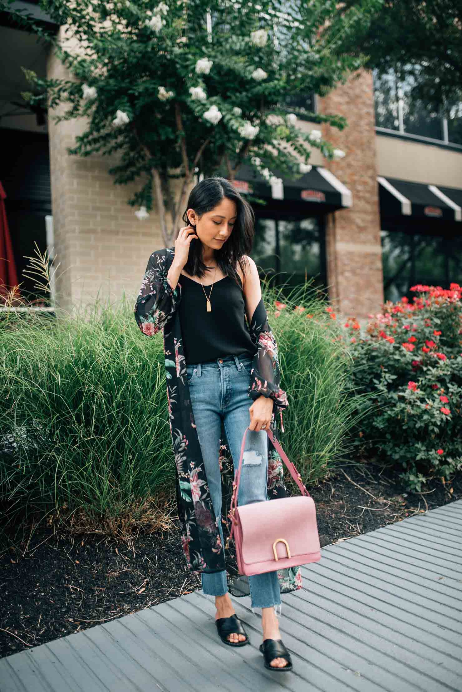 Lilly Beltran wearing floral kimono, pink Fossil bag and Madewell layered necklace for a chic Summer look
