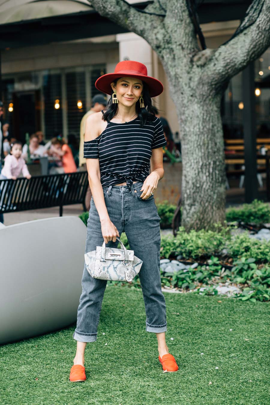Fashion blogger Lilly Beltran styles Levi's 501 jeans for a casual fall date