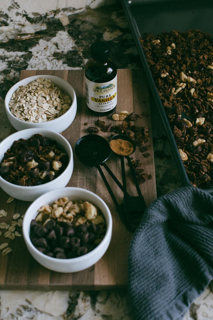 Easy homemade granola recipe (Cranberry Walnut)